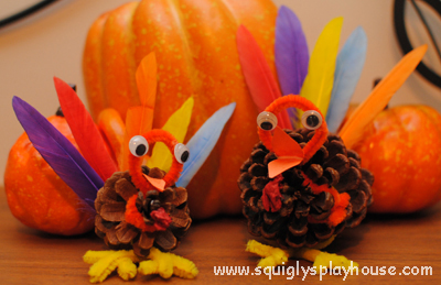 Thanksgiving Craft: Pine Cone Turkey